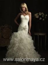 VÝPRODEJ 9900 Kč - Šaty střihu mořská panna s volánkovou sukní b214e8dc07