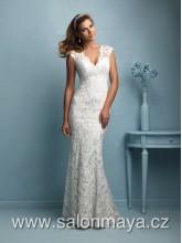 VÝPRODEJ 9900Kč - Upnuté bílé celokrajkové šaty s výstřihem do V 0d5204b7bc
